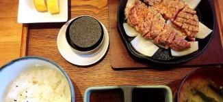 「かっちゃん」姪浜で美味しい豚ステーキが食べれる1000円ランチ【福岡市西区】