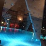キレイなプールが見えるレジデンシャルのレストラン「パエージャデオーロ」 福岡市早良区