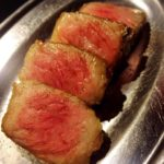 「肉の雷橋」渡辺通のカウンター席のみの美味しいお肉屋さん【福岡市中央区】